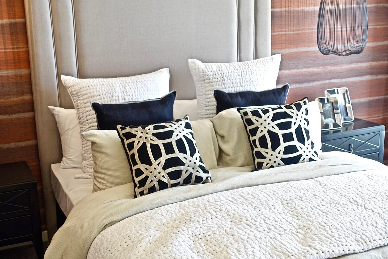 Les couleurs pour les coussins de son canapé